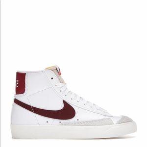 🥤*NEW* Nike Blazer Mid 77 'White Team Red'